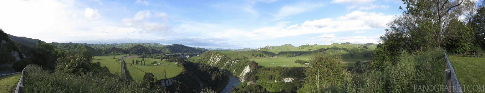 Rangitikei River from Mangaweka - The Rangitikei River from a lookout along SH1 running through Mangaweka