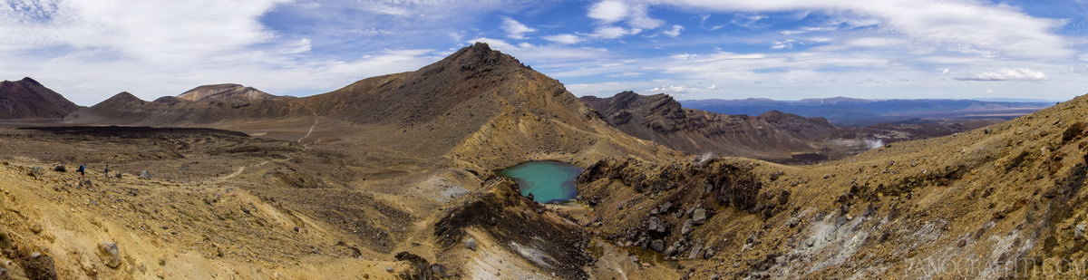 One Emerald Lake - Tongariro Alpine Crossing, Tongariro National Park, Manawatu-Wanganui, New Zealand